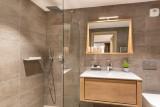 Kinabalu-2-salle-de-bain2-location-appartement-chalet-Les-Gets