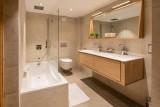 Kinabalu-37-salle-de-bain-location-appartement-chalet-Les-Gets