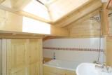 Les-Chouettes-salle-de-bain2-location-appartement-chalet-Les-Gets