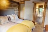 Maison-d-hiver-chambre-double-lits-simples-location-appartement-chalet-Les-Gets