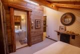 Maison-d-hiver-chambre-double-sdb-location-appartement-chalet-Les-Gets