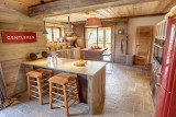 Maison-d-hiver-cuisine-location-appartement-chalet-Les-Gets