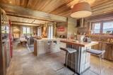 Maison-d-hiver-cuisine2-location-appartement-chalet-Les-Gets