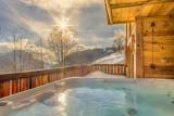 Maison-d-hiver-jacuzzi-terrasse-location-appartement-chalet-Les-Gets