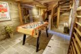 Maison-d-hiver-salle-jeux-babyfoot-location-appartement-chalet-Les-Gets
