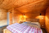 Marcelly-16-chambre-lit-double-location-appartement-chalet-Les-Gets