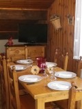 Niveoles-pensee-coin-repas-location-appartement-chalet-Les-Gets