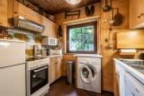 Pied-de-Adroit-5-cuisine-location-appartement-chalet-Les-Gets