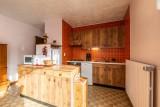 Pressenage-Geai-cuisine-location-appartement-chalet-Les-Gets