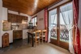 Pressenage-Mesange-cuisine-coin-repas-location-appartement-chalet-Les-Gets