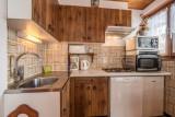Pressenage-Mesange-cuisine1-location-appartement-chalet-Les-Gets