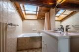 Pressenage-Moineau-salle-de-bain-location-appartement-chalet-Les-Gets