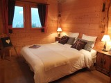 Ramus-Reine-des-Neiges-chambre-lit-double-location-appartement-chalet-Les-Gets
