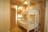 Ramus-Reine-des-Neiges-chambre1-lits-superposes-location-appartement-chalet-Les-Gets