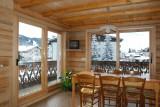 Refuge-salle-a-manger-location-appartement-chalet-Les-Gets