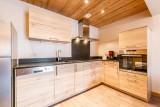 Rhodos-8-cuisine-location-appartement-chalet-Les-Gets