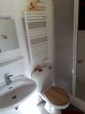 Sapiniere-1-salle-de-bain-location-appartement-chalet-Les-Gets