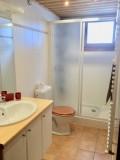 Sapiniere-2-salle-de-bain-location-appartement-chalet-Les-Gets