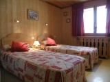 Sapiniere-6-chambre-lits-simples-location-appartement-chalet-Les-Gets