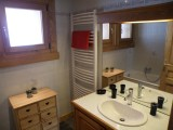 Sapiniere-6-salle-de-bain-location-appartement-chalet-Les-Gets