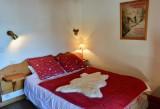 Ski-Love-Marmotton-chambre1-location-appartement-chalet-Les-Gets