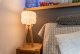 Splery-Lupin-chambre-table-chevet-location-appartement-chalet-Les-Gets