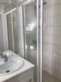 Victoria-2-salle-de-bain-location-appartement-chalet-Les-Gets