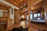 Vinson-chambre-double-bureau-location-appartement-chalet-Les-Gets
