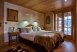 Vinson-chambre-lit-double8-location-appartement-chalet-Les-Gets