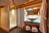 Vinson-salle-de-bain2-location-appartement-chalet-Les-Gets