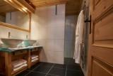 Vinson-salle-de-bain4-location-appartement-chalet-Les-Gets