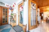 Wilky-1-entree-location-appartement-chalet-Les-Gets