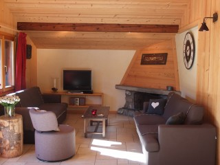 Berthet-Sports-Edelweiss-salon-location-appartement-chalet-Les-Gets