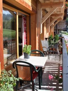 Floriere-3-balcon-ete-location-appartement-chalet-Les-Gets