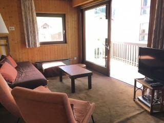 Pied-de-l-Adroit-A-salon-location-appartement-chalet-Les-Gets