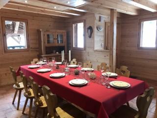 Varlope-salle-a-manger-location-appartement-chalet-Les-Gets