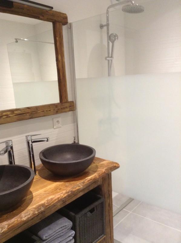 15-metrallins-salle-d-eau-lababos-et-douche-1006336