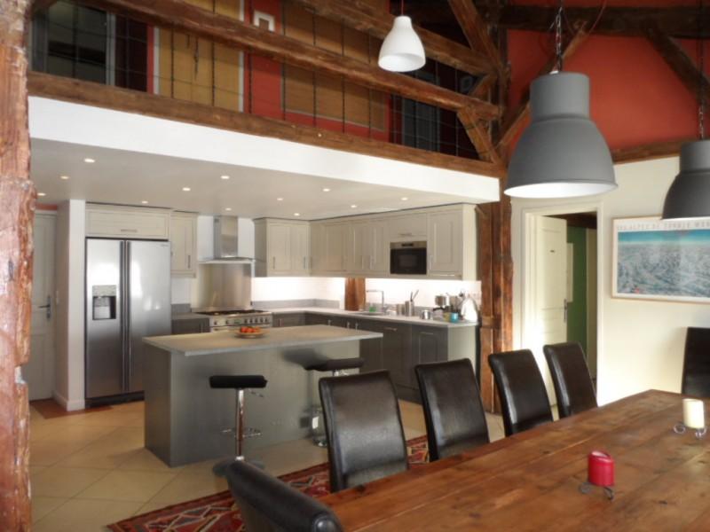 360-09-kitchen-dining-215671