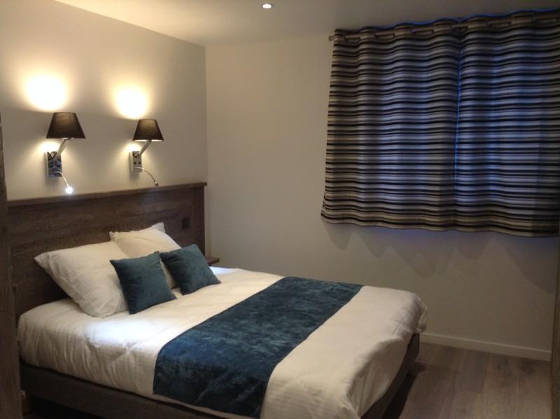 4-metrallins-chambre-familiale-lit-double-1006315
