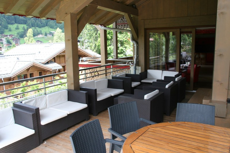 Adelphine-1-terrasse-location-appartement-chalet-Les-Gets