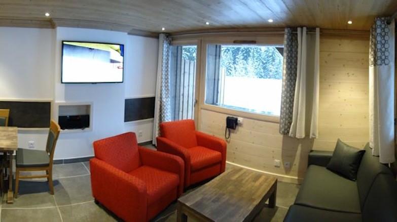 Adelphine-6-salon-location-appartement-chalet-Les-Gets