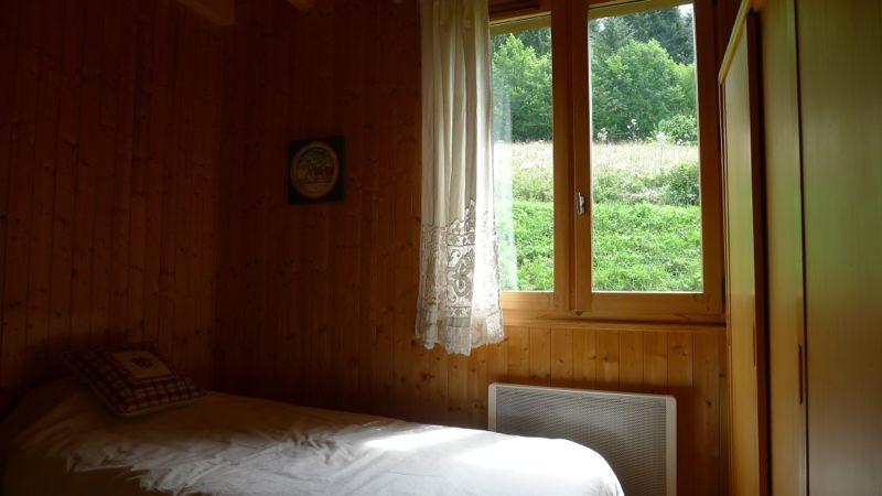 Agapanthe-chambre-lit-simple-location-appartement-chalet-Les-Gets