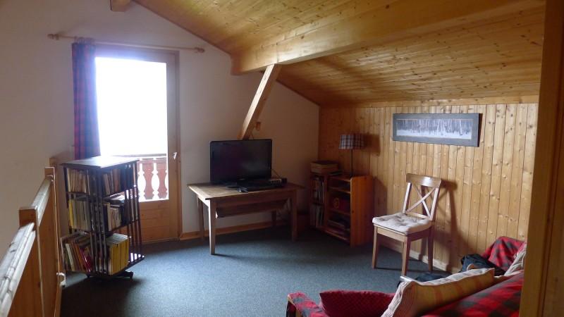 Agapanthe-salon-mezzanine-location-appartement-chalet-Les-Gets