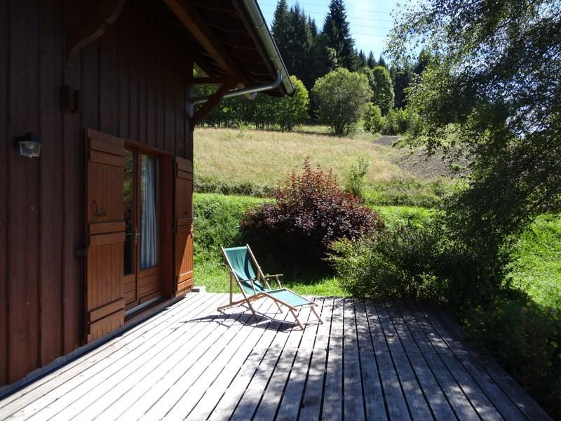 Agapanthe-terrasse-ete-location-appartement-chalet-Les-Gets