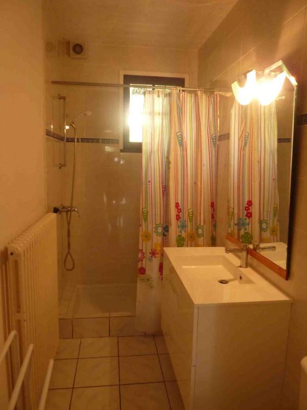 Alaska-2-salle-de-bain1-location-appartement-chalet-Les-Gets