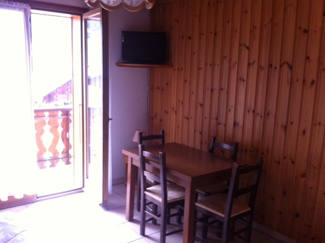 Amaryllis-2-sejour1-location-appartement-chalet-Les-Gets
