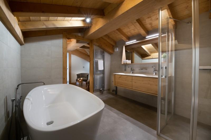Annapurna-303-salle-de-bain-location-appartement-chalet-Les-Gets