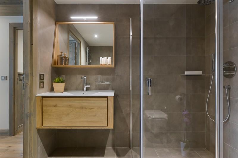 Annapurna-A103-salle-de-bain3-location-appartement-chalet-Les-Gets