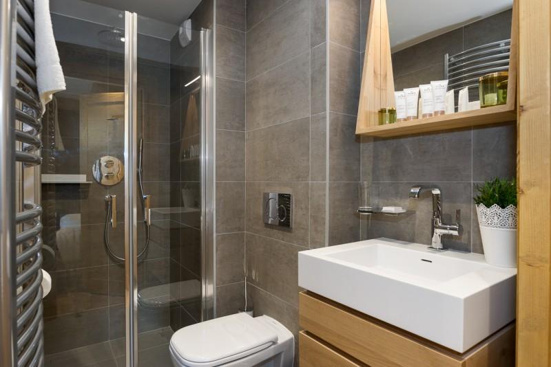 Annapurna-A105-salle-de-bain2-location-appartement-chalet-Les-Gets