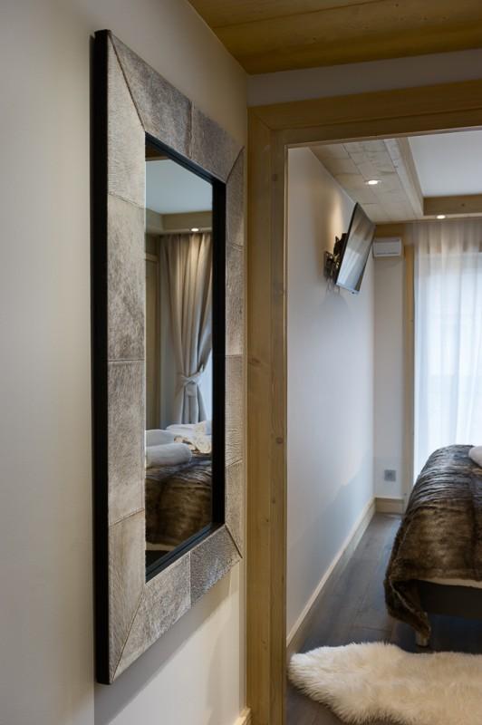 Annapurna-A201-miroir-chambre-location-appartement-chalet-Les-Gets